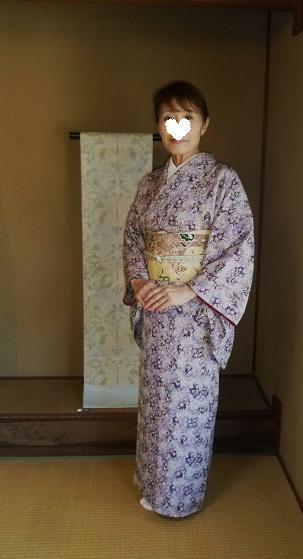 椿の羽織に栗山紅型帯のお客様・御所の桜と猫。_f0181251_18225558.jpg