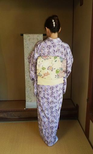 椿の羽織に栗山紅型帯のお客様・御所の桜と猫。_f0181251_18233755.jpg