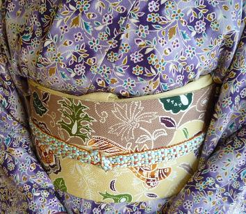 椿の羽織に栗山紅型帯のお客様・御所の桜と猫。_f0181251_18252100.jpg