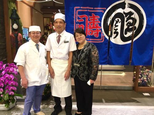 遠藤さんバンコク店オープン!!!バンコクおすすめお寿司 安くて美味しい!ラピスラズリーと像さんに願いを込めて♡_f0355367_02405007.jpg