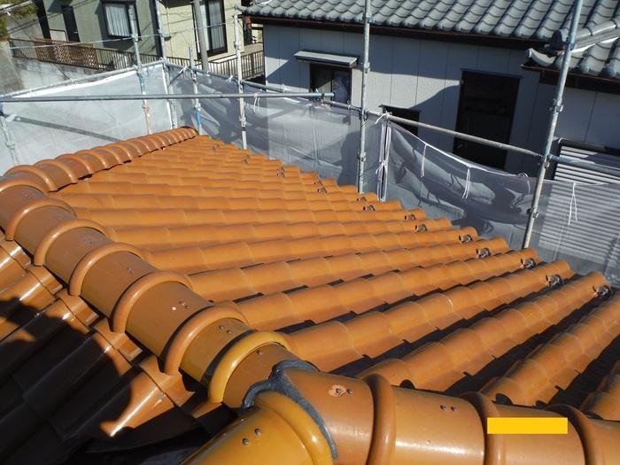 屋根葺き直し、雨樋取替、外壁塗替え ~ 2階屋根終了。_d0165368_3253470.jpg