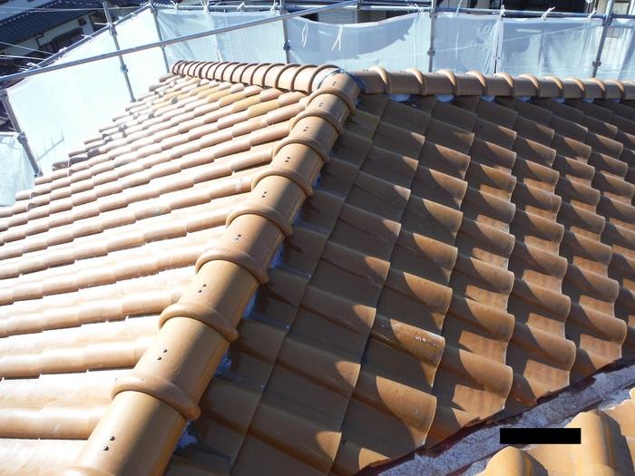 屋根葺き直し、雨樋取替、外壁塗替え ~ 2階屋根終了。_d0165368_3254922.jpg