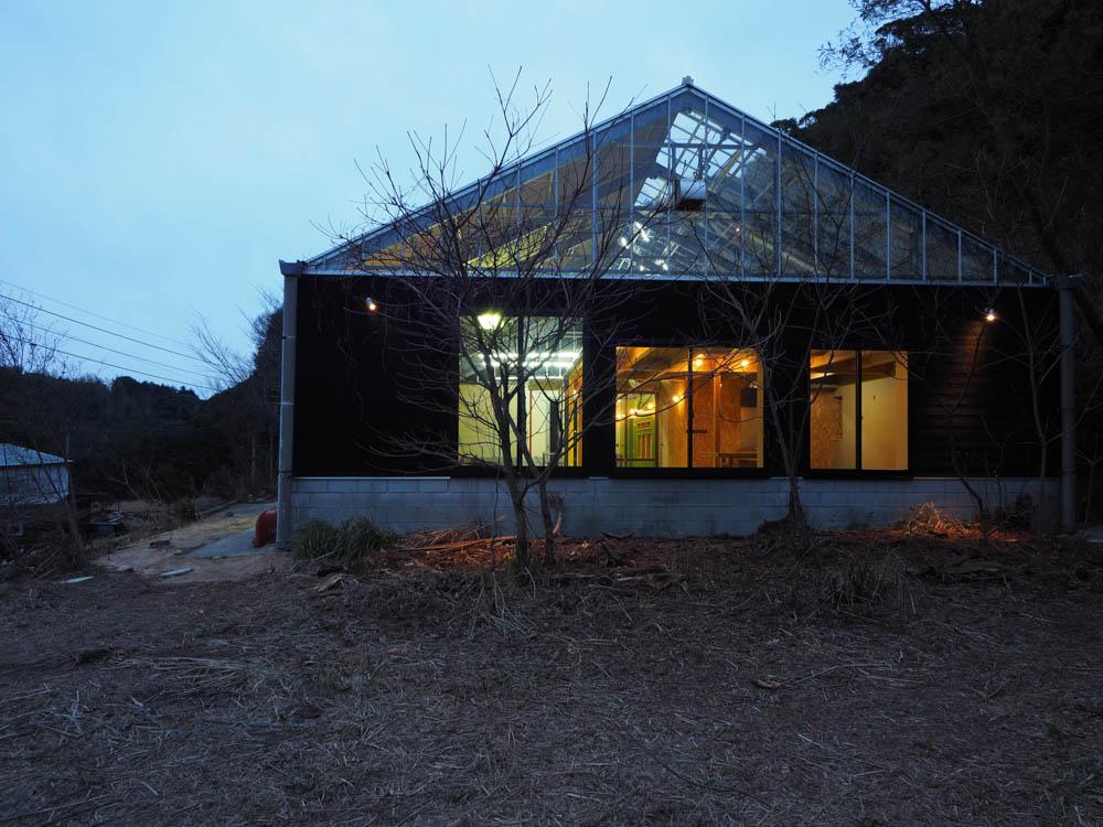 アトリエ住宅 完成しました(1)_f0171785_1654869.jpg