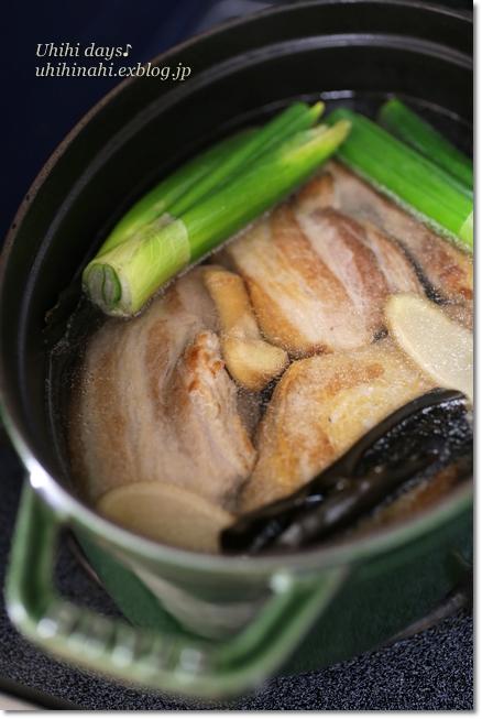 沖縄風な豚の角煮_f0179404_2145310.jpg