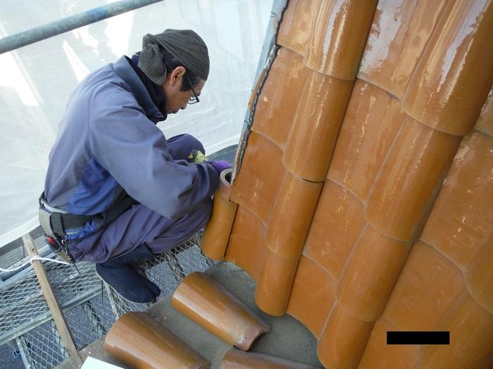屋根葺き直し、雨樋取替、外壁塗替え ~ パラペット瓦。_d0165368_7114611.jpg