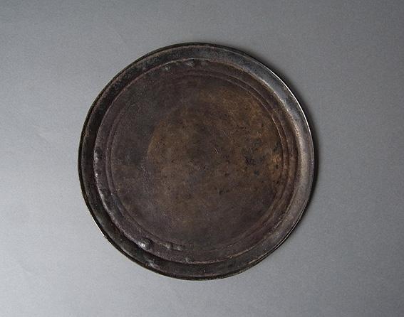 円盤のオブジェ_e0111789_11215293.jpg