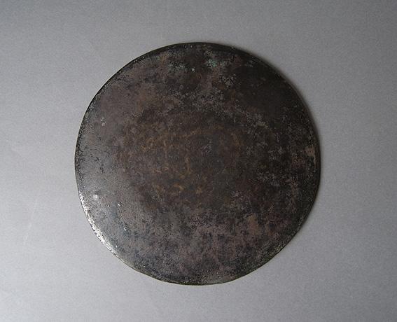 円盤のオブジェ_e0111789_11255948.jpg