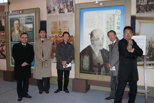 繊維学会幹事会のメンバーを重文本館の案内をする_c0075701_18315558.jpg