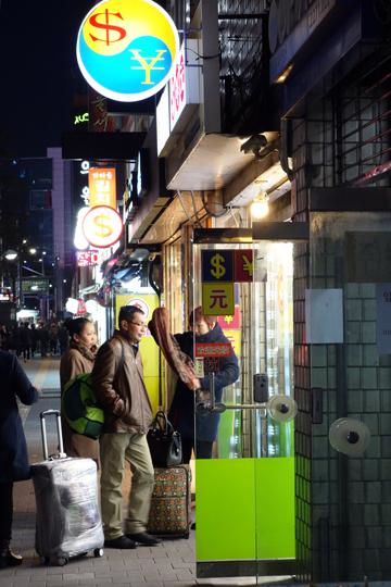 ソウルの地下鉄駅 自動改札機とホームドア ソウル旅 2016年3月(3)_f0117059_113599.jpg