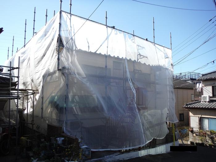 屋根葺き直し、雨樋取替、外壁塗替え ~上塗り 。_d0165368_9125622.jpg