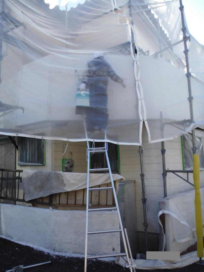 屋根葺き直し、雨樋取替、外壁塗替え ~上塗り 。_d0165368_9133337.jpg