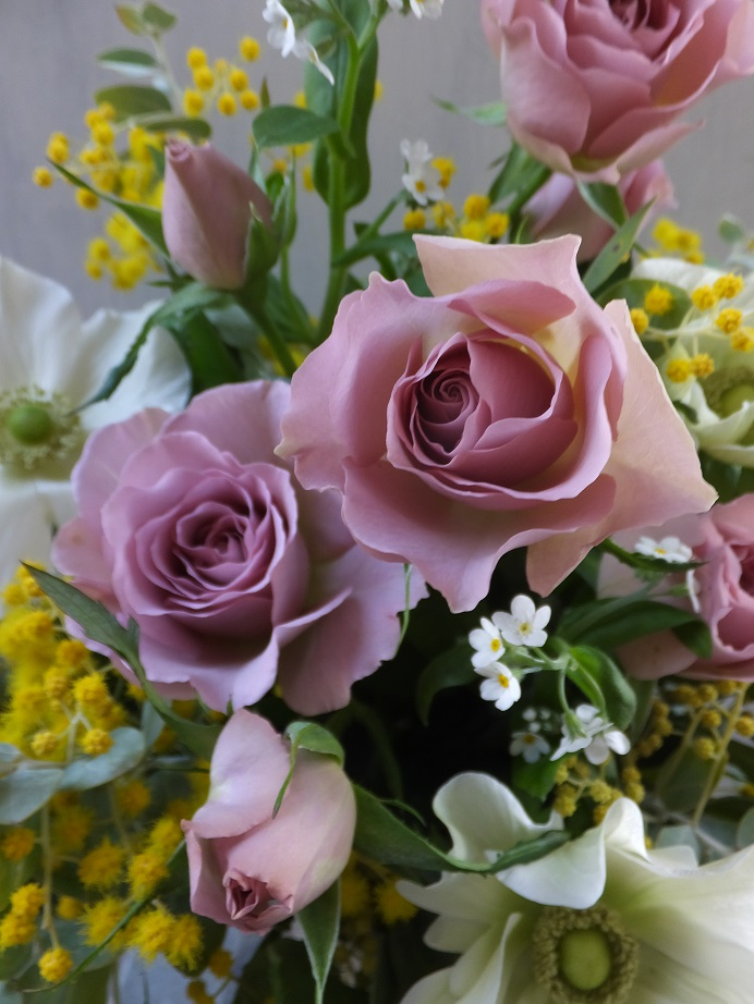 オークリーフ(薄茶色のバラのアレンジメント)_f0049672_15122528.jpg