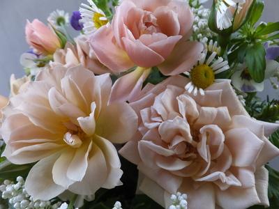 オークリーフ(薄茶色のバラのアレンジメント)_f0049672_1514303.jpg