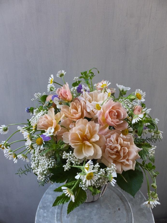 オークリーフ(薄茶色のバラのアレンジメント)_f0049672_15144083.jpg