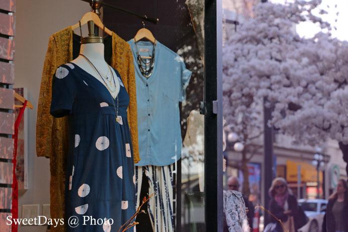 カナダで桜満開!Spring is here in Canada_e0046675_08393220.jpg