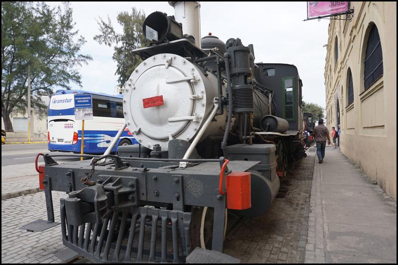 ハバナの保存機関車  キューバ最新情報16_b0019313_13404978.jpg