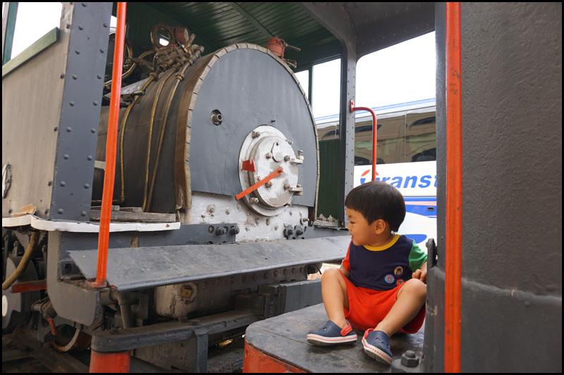 ハバナの保存機関車  キューバ最新情報16_b0019313_13410712.jpg