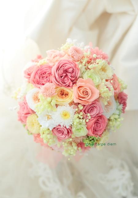 プリザーブドフラワーのブーケ ホテル椿山荘東京様へ  バラの花のドレスに_a0042928_11492938.jpg