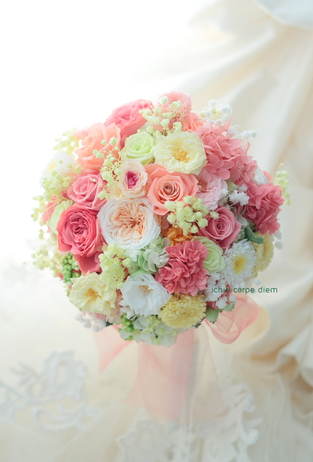 プリザーブドフラワーのブーケ ホテル椿山荘東京様へ  バラの花のドレスに_a0042928_11494849.jpg