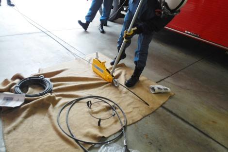 救助資機材取扱い訓練_a0259130_21572961.jpg
