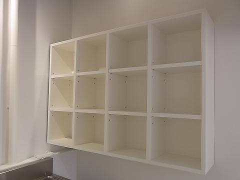 某美容室の家具取り付けです。_b0186200_22521166.jpg