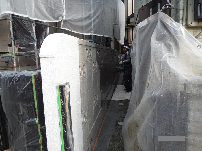 屋根葺き直し、雨樋取替、外壁塗替え ~ 細かい塗り替え。_d0165368_4122936.jpg