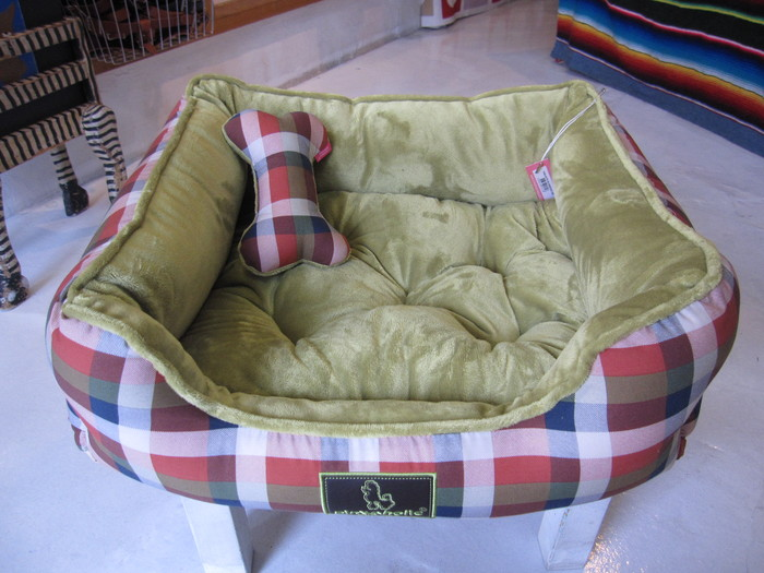 "今日の中目黒 & ""New\"" Doggy Bed_c0151934_1175151.jpg"