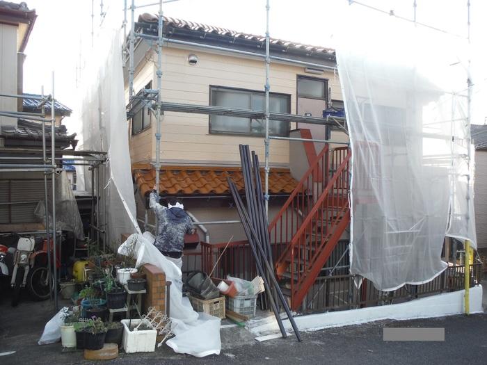 屋根葺き直し、雨樋取替、外壁塗替え ~ 波板、雨樋取替。_d0165368_5482784.jpg