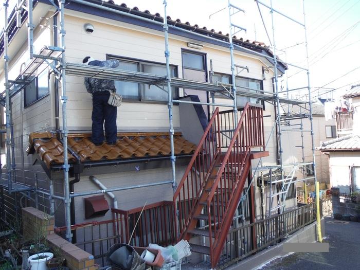 屋根葺き直し、雨樋取替、外壁塗替え ~ 波板、雨樋取替。_d0165368_5484898.jpg