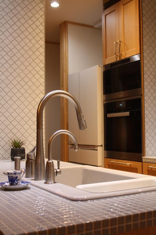 タイルde綺麗なキッチン_a0155290_1554956.jpg