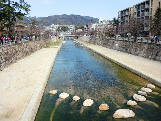 夙川と芦屋川をのんびり散歩_f0100593_13274039.jpg