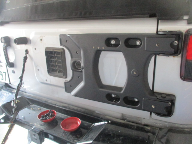JK ラングラー 強化品背面タイヤブラケットに、37インチタイヤ 取り付け_b0123820_17131364.jpg