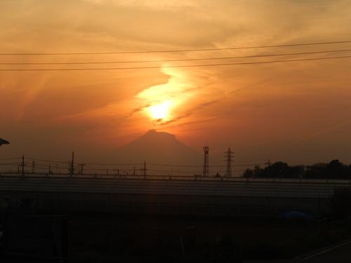 朝の富士...夕暮れのダイヤモンド富士_b0137932_1920297.jpg
