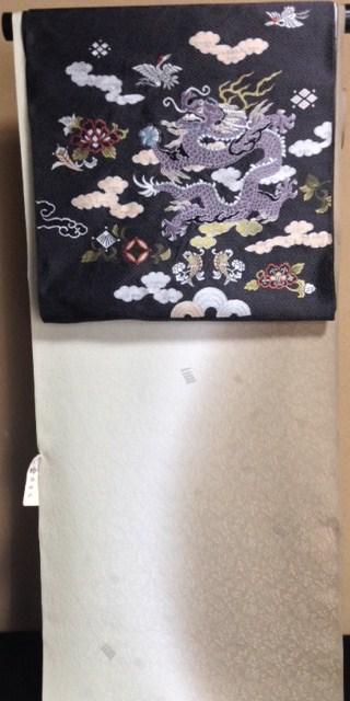 北野をどり・野村エミさん三眠蚕小紋に龍の帯。_f0181251_1641833.jpg