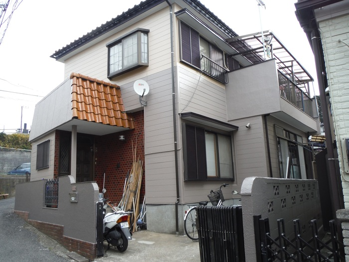 屋根葺き直し、雨樋取替、外壁塗替え ~ 工事終了。_d0165368_7503132.jpg