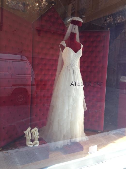 ウェディング・ドレスが街を飾るフィレンツェ_a0136671_23104716.jpg