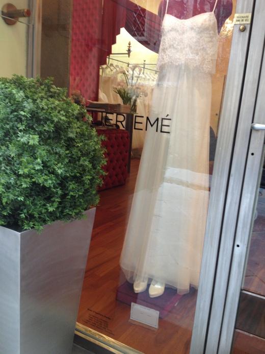 ウェディング・ドレスが街を飾るフィレンツェ_a0136671_23131766.jpg