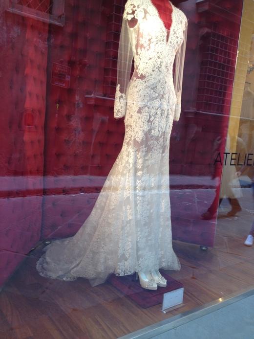ウェディング・ドレスが街を飾るフィレンツェ_a0136671_23182768.jpg