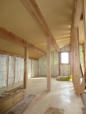 大屋根の本格和室の家⑨(断熱材・外壁・大工工事)+見学会のご案内_c0220930_09093328.jpg