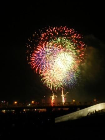 【記録】明日で丸5カ月。。。慰霊の意味の花火。_a0348473_13172863.jpg