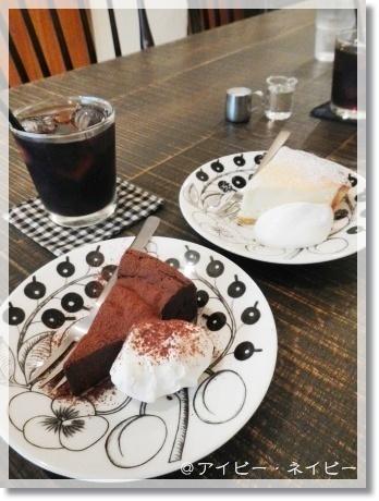 美味しいパンケーキと雑貨屋散歩_a0348473_13291317.jpg