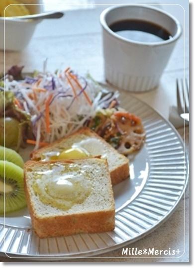 【ロティ・オラン】紅茶の食パン@Gレーズン_a0348473_13540258.jpg