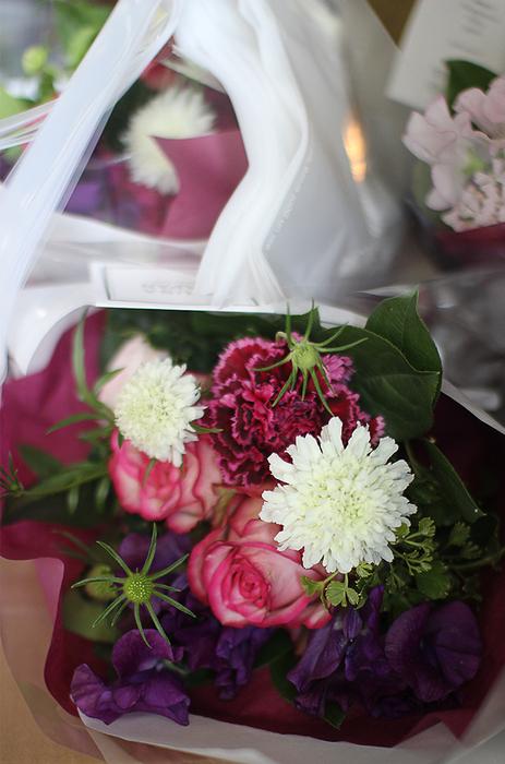 花束たくさん!_c0100388_12114365.jpg