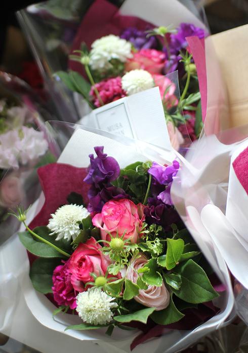 花束たくさん!_c0100388_1213152.jpg