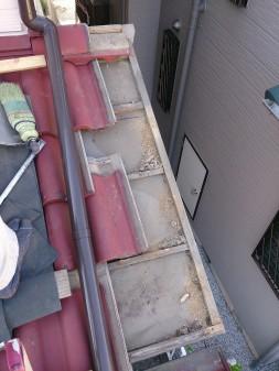 埼玉県の越谷市で、瓦屋根修理工事_c0223192_17572415.jpg