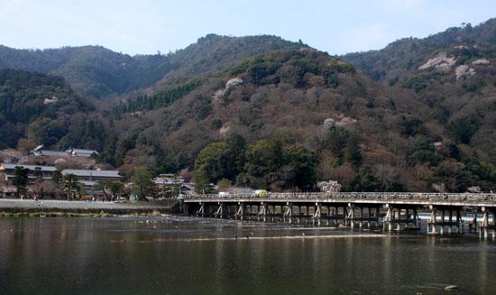 16桜だより17 嵐山2 渡月橋あたり_e0048413_18174271.jpg