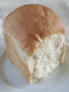 笹塚 パン工房 プクムクのチーズデニッシュ、ライ麦くるみレーズンいよかん、グラタン、食ぱん他_f0112873_23244693.jpg