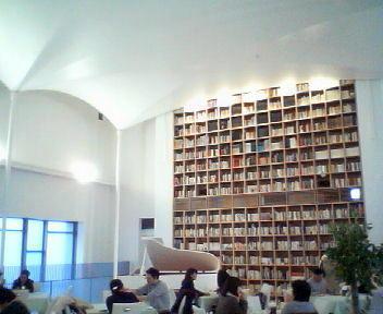 旧道庁文書館別館の今_f0078286_11225895.jpg