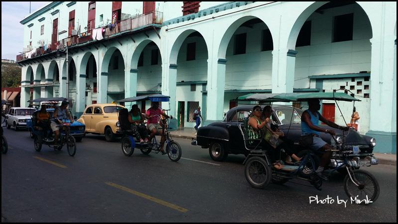自転車タクシー   キューバ最新情報20_b0019313_16041426.jpg