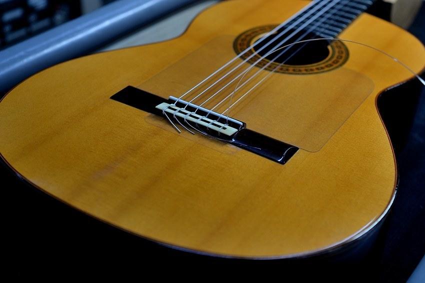 ネグロ フラメンコギターの音質改善_c0330563_11415957.jpg